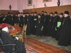 В преддверии Рождества Христова духовенство Харьковской епархии  поздравляет  митрополита Никодима
