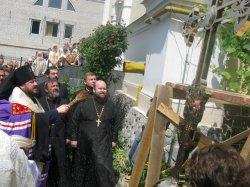 Освящены крест и купол колокольни Свято-Троицкого храма г. Харькова