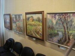 """В областной художественное галерее открылась  выставка """"Різнобарв'я молодості"""""""