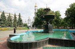 Відбулось освячення  переданого Харківській єпархії Покровського скверу