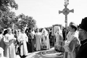 молебен у памятника Крестителю Руси