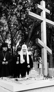 Посещение места строительства кафедрального собора Украинской Православной Церкви.