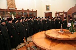 Митрополит Никодим и архиепископ Онуфрий приняли поздравления с Рождеством Христовым