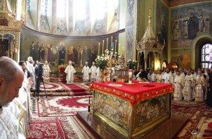 Отпевание Высокопреосвященнейшего митрополита Никодима