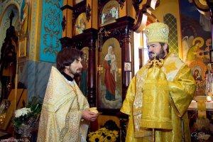 Архиепископ Онуфрий посетил Крестовоздвиженский храм пос. Лиман Змиевского района