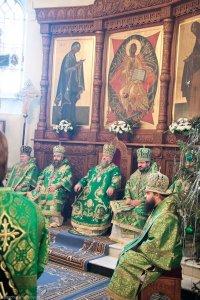 Высокопреосвященнейший архиепископ Онуфрий принял участие в богослужении в Святогорской Лавре