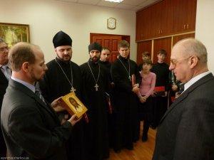 Преподаватели истуденты духовной семинарии приняли участие встуденческой конференции