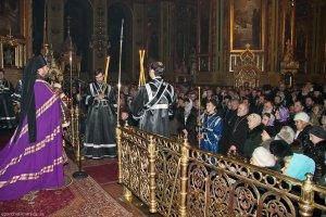 Архиепископ Онуфрий совершил чин прощения в Свято-Благовещенском соборе