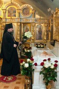 У гроба митрополита Никодима совершена поминальная служба
