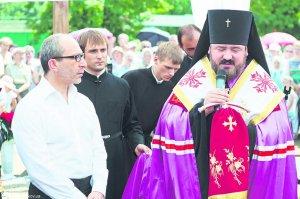 В Харькове освящено место под строительство храма на Роганском жилмассиве