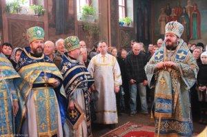 Архипастырский визит вКрасноградскоеблагочиниеАрхипастырский визит вКрасноградскоеблагочиние