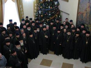 Священнослужители Харьковской епархии поздравили архиепископа Онуфрия с наступающим Рождеством Христовым