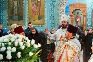 В третий день попразднства  Рождества Христова архиепископ Онуфрий совершил Литургию в храме Рождества Христова г.Харькова
