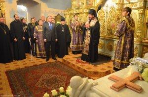 Архиепископ Онуфрий совершил поминовение митрополита Никодима (Руснака)