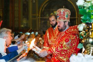 Иерусалим — Харьков: свет Благодатного огня просвещает всех