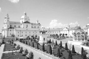 Православные поляки возрождают традицию крестногоходакПочаевской лавре