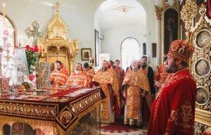 Архиепископ Онуфрий  совершил праздничную Литургию вАлександро-Невском храме