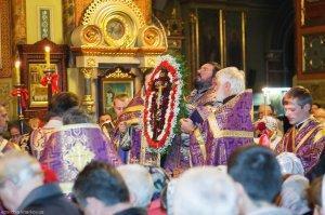 В день предпразднства Воздвижения Креста Господня архиепископ Онуфрий совершил всенощное бдение в Свято-Благовещенском соборе