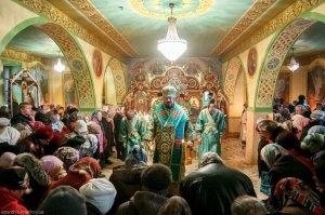 В день престольного праздника архиепископ Онуфрий совершил Литургию в храме  прп. Сергия Радонежского г. Харькова