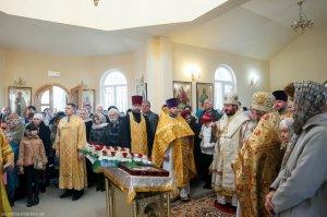 В Неделю 16-ю по Пятидесятнице архиепископ Онуфрий освятил Свято-Николаевский храм в районе Новожаново г. Харькова