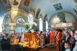 В день памяти святого великомученика ДимитрияСолунского архиепископ Онуфрийсовершил Литургию в Свято-Димитриевском храме пос. Васищево
