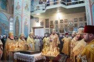 Литургия в праздник Обрезания Господня в храме святителяВасилия Великого г. Харькова