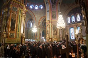Литургия в праздник Сретения Господня в Свято-Благовещенском соборе
