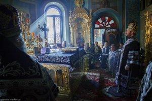 Литургия Преждеосвященных Даров в Свято-Пантелеимоновском храме г. Харькова