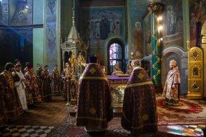 Литургия в Свято-Благовещенском соборе вВеликий Четверг