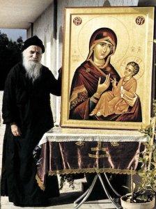 По молитвам преподобного Порфирия (Кавсокаливита) исцелилась девочка