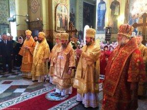 Участие в торжествах по случаю 75-летия митрополита Днепропетровского и Павлоградского Иринея
