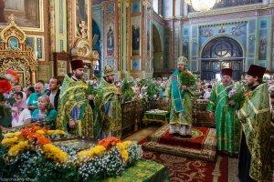 В праздник Святой Троицы митрополит Онуфрий совершил Литургию  вСвято-Благовещенском соборе