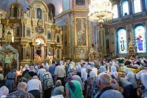 В Неделю 5-ю по Пятидесятнице митрополит Онуфрий совершил Литургию в Свято-Благовещенском соборе