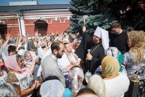В день памяти великомученика Пантелеимона митрополит Онуфрий совершил Литургию вСвято-Пантелеимоновском храме г. Харькова