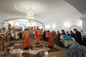 Высокопреосвященнейший митрополит Онуфрий совершил освящение нижнего придела Свято-Мироносицкого храма г. Харькова