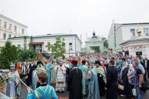 В праздник Успения Божией Матери митрополит Онуфрий совершил Литургию в Свято-Успенском соборе г. Харькова