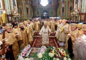 По случаю юбилейных торжеств Блаженнейший Митрополит Онуфрий  совершил всенощное бдение в Свято-Благовещенском соборе