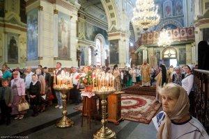 В Неделю 14-ю по Пятидесятнице митрополит Онуфрий совершил Литургию в Озерянском храме Свято-Покровского монастыря