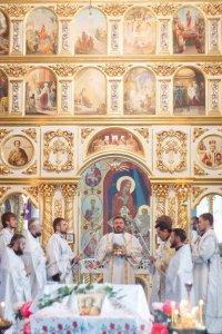 В день престольного праздника митрополит Онуфрий совершил Литургию в храме Архистратига Божьего Михаила в г. Краснокутск