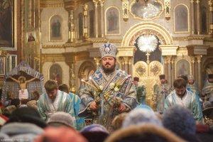 В праздник Введения во храм Пресвятой Богородицы митрополит Онуфрий совершил Литургию в Свято-Благовещенском соборе