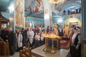 В Неделю 27-ю по Пятидесятнице митрополит Онуфрий совершил Литургию в Свято-Покровском храме пос. Большая Даниловка