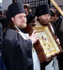 18 мая Харьков встретил чудотворную икону Божией Матери и мощи Святителя Николая.